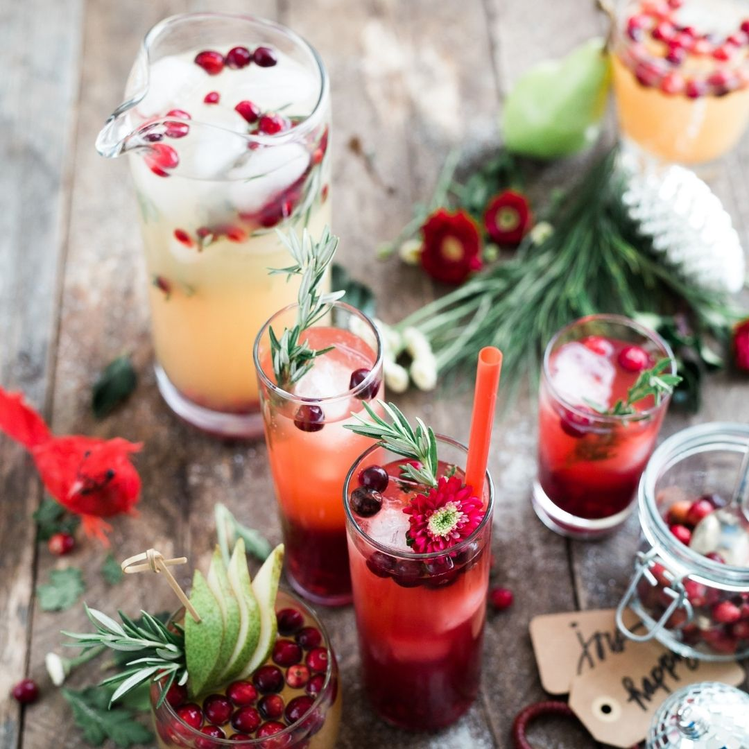 how to maintain your weight during the holidays cocktails